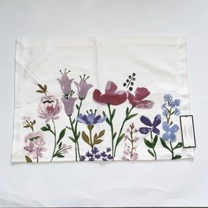 NWT Set of 4 Threshold floral placemats
